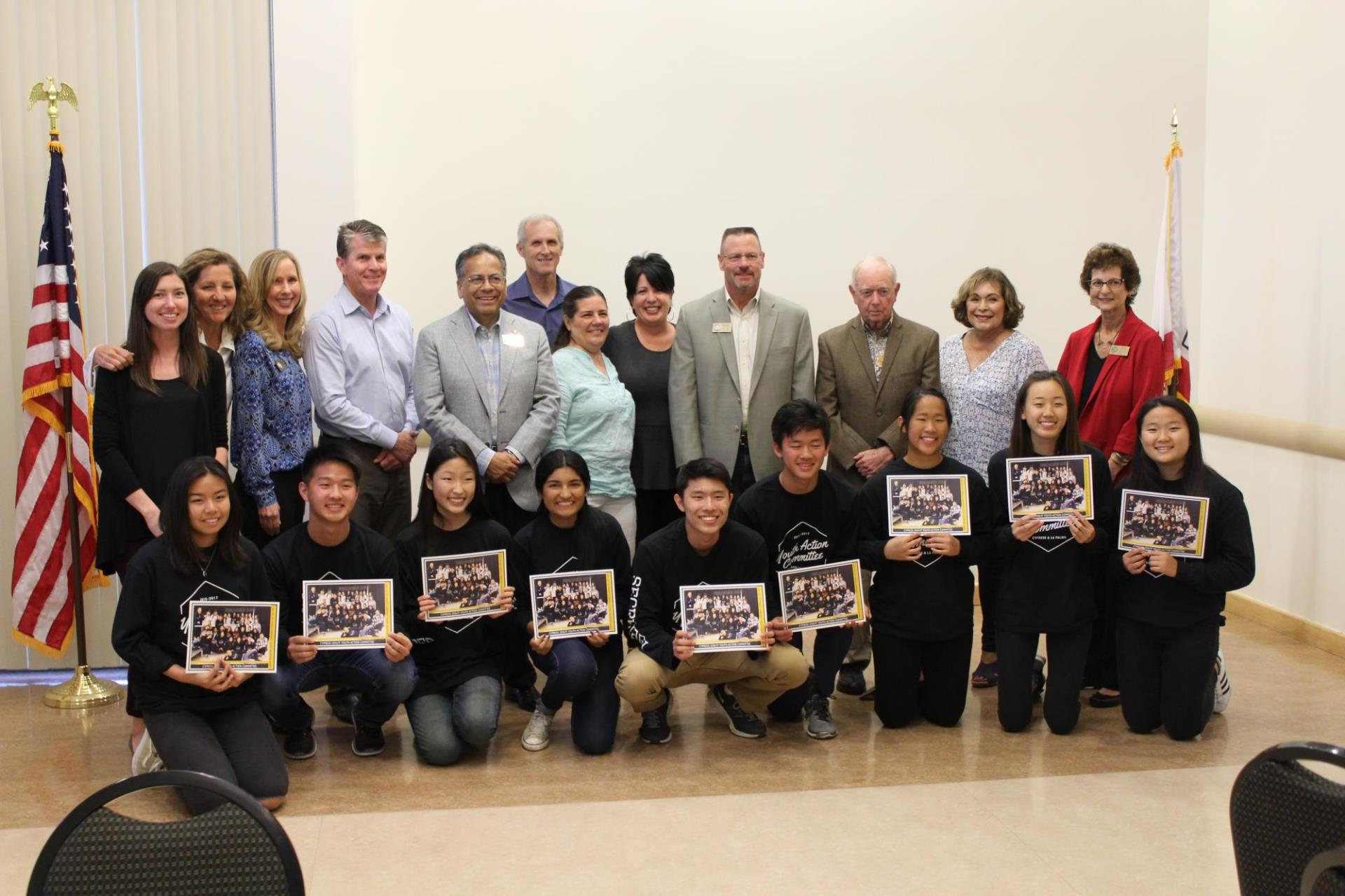City Council Members, Recreation Committee Members, and Youth Volunteer Service Award Recipients